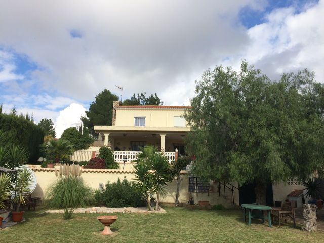 Well Modernised House in Turis